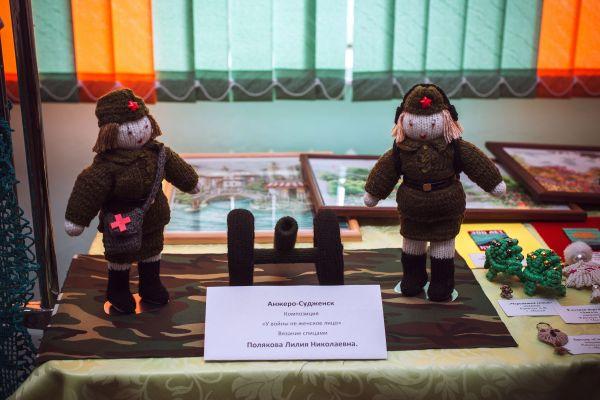 art-akademiya-vystavka-60E20D1F38-36FB-C98C-38A5-D0D196E43C09.jpg