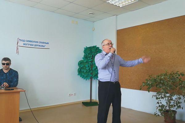 Михаил Тихонов