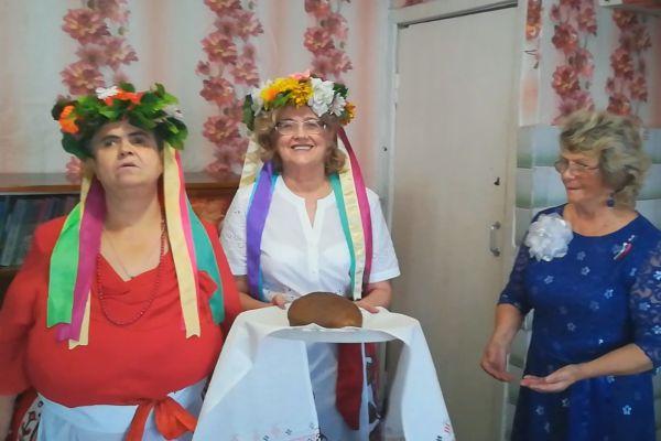 Бочарова Галина. Крутова Валентина и Карпенко Галина