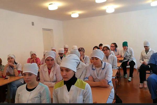 Студенты Анжеро-Судженского медицинского колледжа