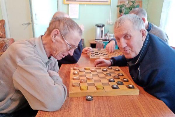 Смирнов Н.М.(слева) и Алымов В.А.
