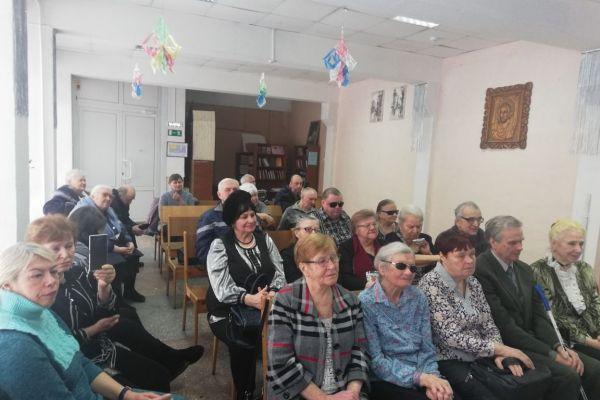 фото зала со зрителями