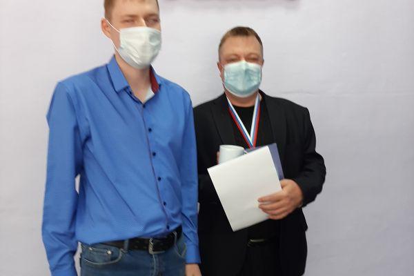 Петров 2 место по шашкам