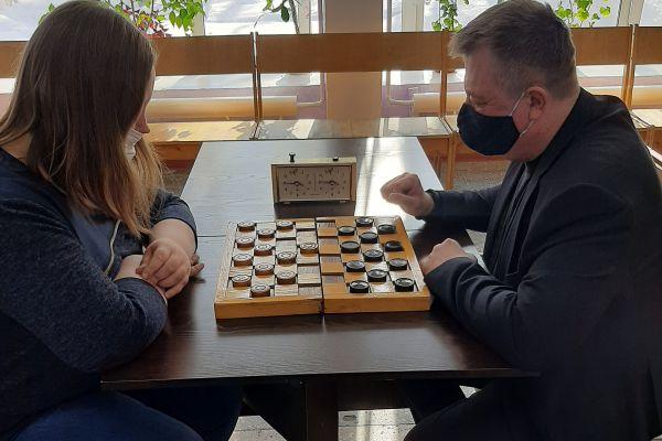 Шашки Рязанаова и Петров