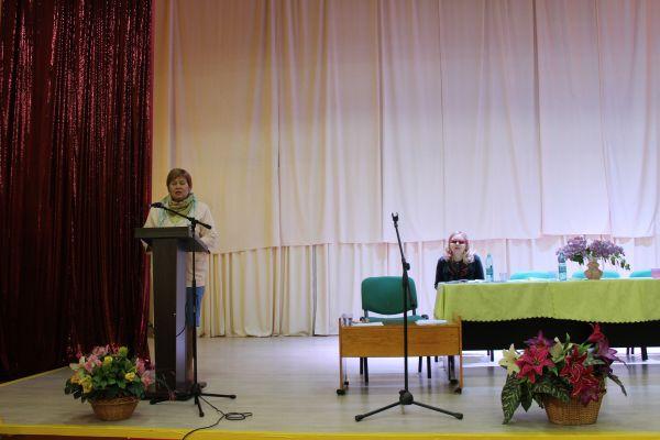 специалист по работе с общественными организациями и сторонниками партии Единая Россия - Савинова Марина Вадимовна
